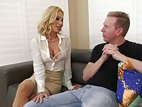 Horny Mark Wood invades deep throat and stretched anal hole of Sarah Jessie