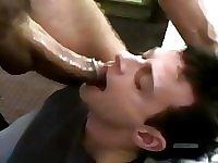 Doing a nice deepthroat