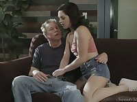 Cute fresh gal Petra Blair lures man and gets her wet pussy licked