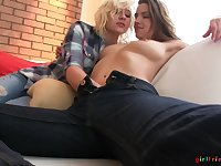 Kinky lesbo babes take off their clothes to have sex - Eufrat Mai