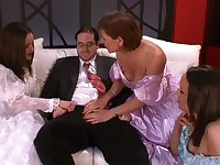 Business guy gets his dick pleasured by Wendy and her best friends